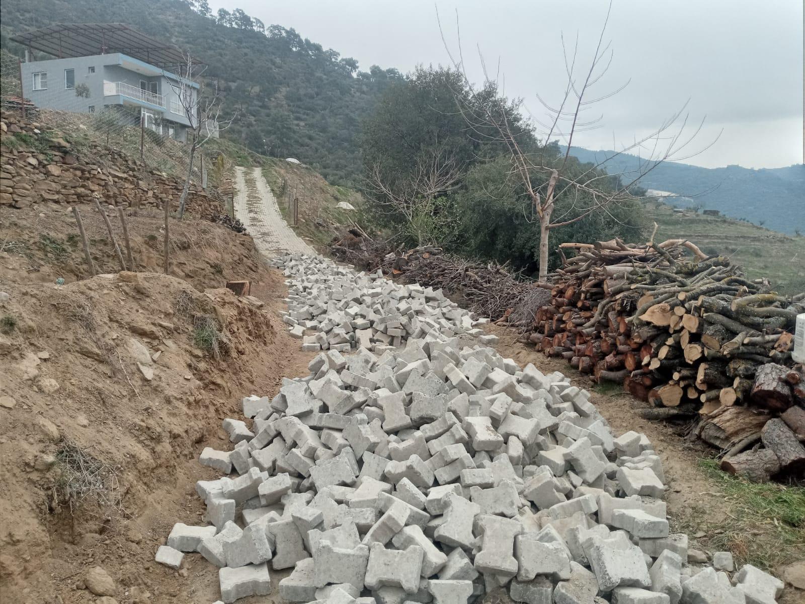 Nazilli'de Köy Yolları Bir Bir Tamamlanıyor
